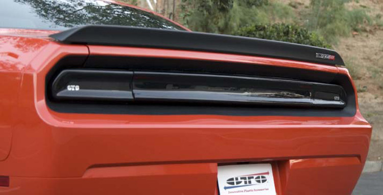GTS Center Tail Light Cover w/o Logo 08-14 Dodge Challenger