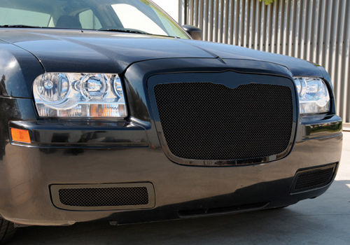 T-Red Black Upper Class Mesh Grille 05-10 Chrysler 300