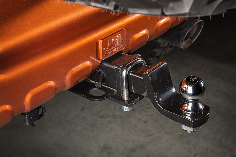 "Rugged Ridge 2"" Receiver Hitch Tightener"